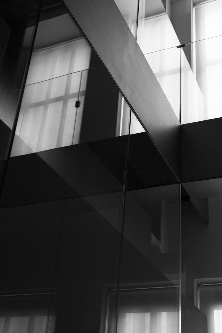 #stairs #shadows #light #glass  #escaleras #sombras #luz #vidrio #espacio #fundación #telefónica #madrid