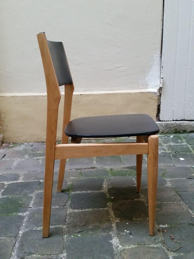 Chaise Scandinave noire 40€  Vue sur https://www.facebook.com/henriechine?fref=ts
