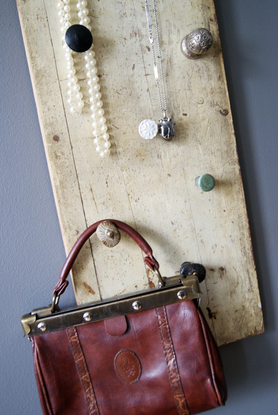 DIY: Old wooden board with different door knob hooks!