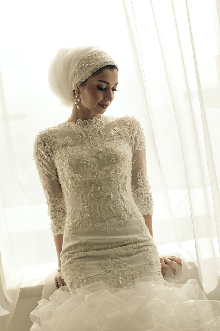 Bridal headscarf veil inspiration hijab bride modest for Wedding dresses for muslim brides