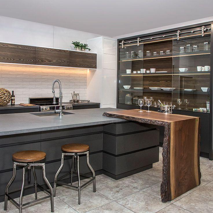 ARMOIRES Contemporain http://www.beau-regard.com/fr/fabricant-cuisines/contemporain/armoires/realisation-b15-cuisine-contemporaine-avec-armoires-en-acrylique-et-frene-brosse