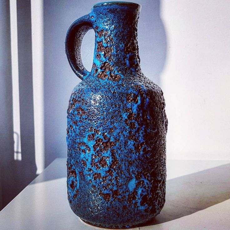 """Polubienia: 41, komentarze: 3 – modern (@modern_old2new) na Instagramie: """"Turquoise fat lava graeflich vase #graeflich #gräflich #turquise #black #fatlava #blue #shadow #wgp…"""""""