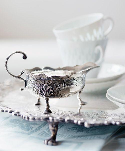 English antique silver from 18'th century in a private Finnish collection. Glorian Antiikki 2/2013. Photo Ullamaija Hänninen.