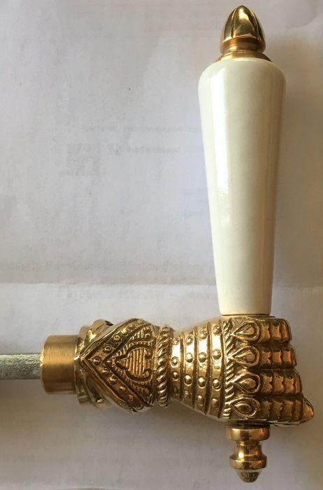 Online veilinghuis Catawiki: Antique door fittings, Antikladl- BB rosettes  knight fist door handles - 190 Best Hardware Images On Pinterest Lever Door Handles