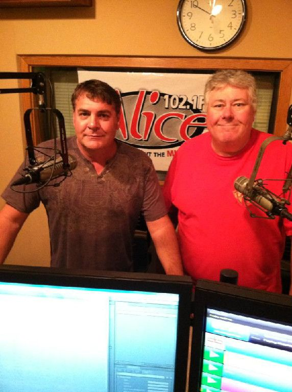 The Tony George Show Now Playing w/ Steve Rich. College Football Saturday baby! http://highrollerradio.net/LRP_Sports.html