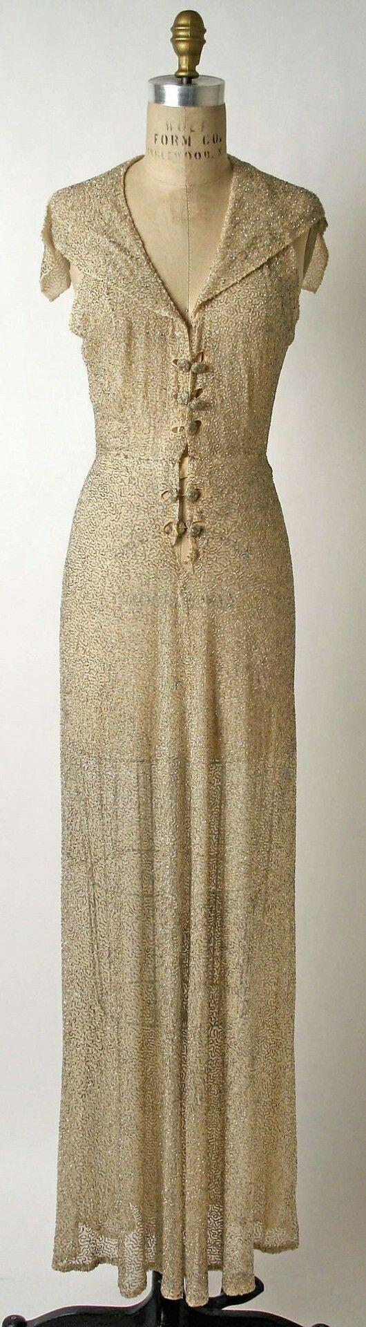 Robe de soirée en cristal, ca.1936  Sophie Gimbel pour Saks Fifth Avenue   Robe de soirée en cristal, ca.1936  Sophie Gimbel pour Saks Fifth Avenue