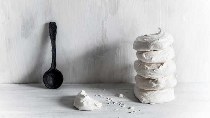 You know the liquid that comes with canned chickpeas? It's called aquafaba and can substitute egg whites in baking... That means #vegan meringue!
