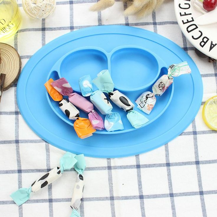 1pc Food grade Silicone Placemat, Suction To Dining Table