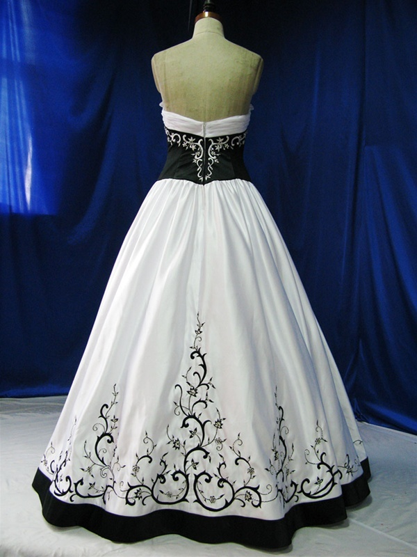 60 best images about Black Bridal on Pinterest | Black ball gowns ...