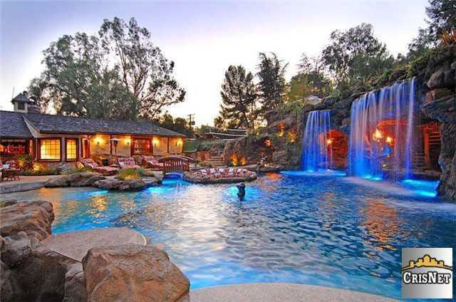 The 7 Most Amazing Celebrity Pools, Yards, and Outdoor Spaces - Celebrity Real Estate - Curbed LA