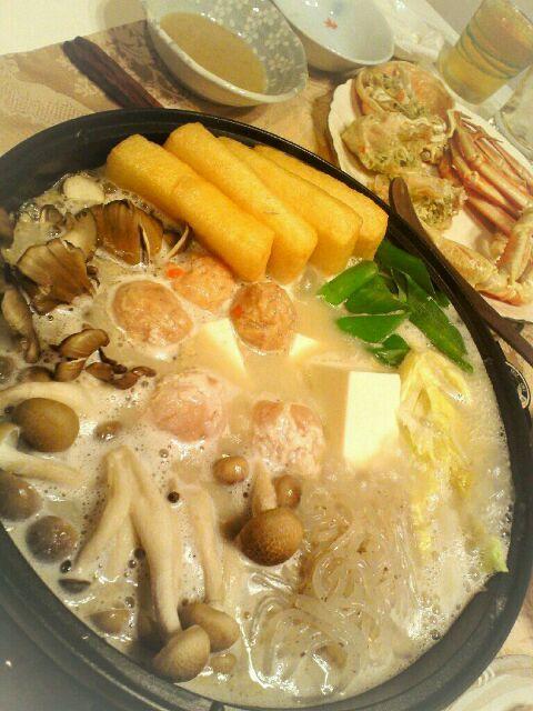 おみやげの茹でズワイガニと鍋であたたまります( ̄ー ̄) - 67件のもぐもぐ - 豆乳ごまスープつくね鍋、ズワイガニ by Hiroty