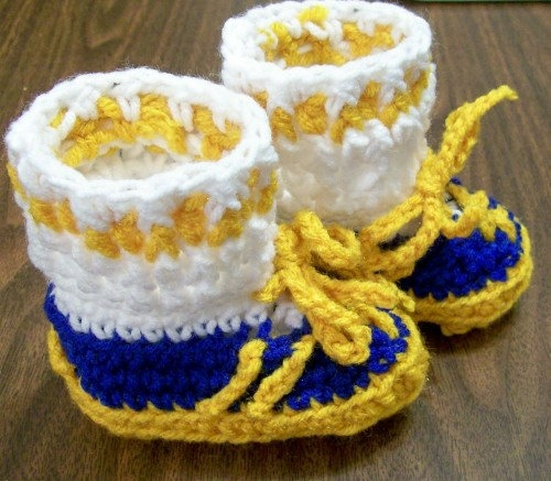 aww little sussex central booties!!!Sussex Central, Shoesathlet Style, Knits Kraft, Central Booty, Baby Booty, Baby Booties, Booty Boys Girls, Boys Girls Shoesathlet