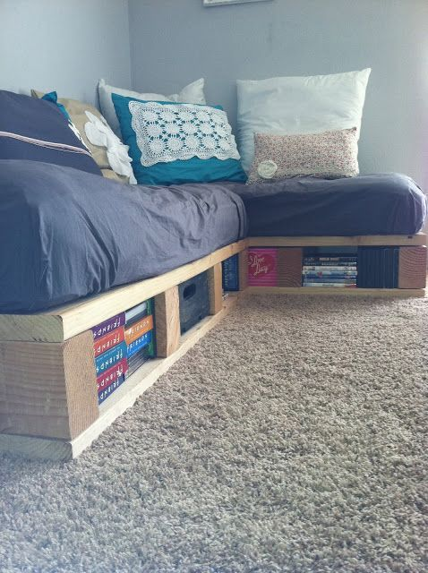 """a pretty day: """"Pallet Couch"""" my daddy the construction worker wouldn't approve, but this is cool :)"""