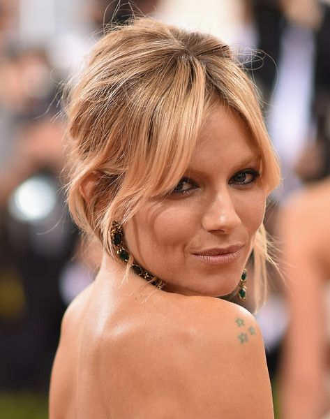 Sienna Miller Messy Updo - Sienna Miller worked a messy-sexy updo at the Met…