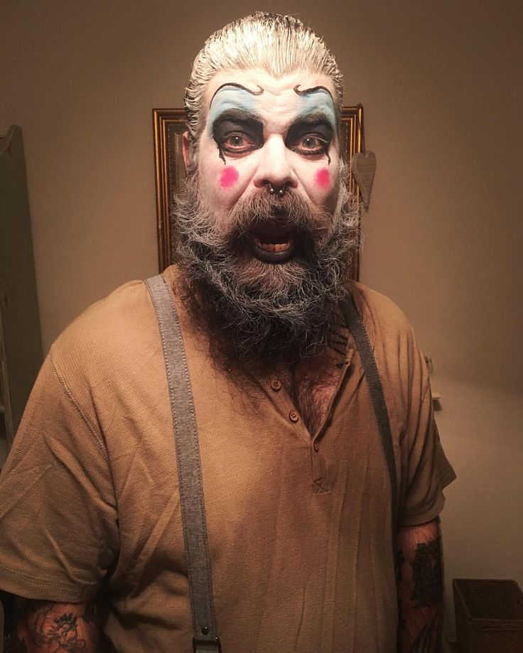 DIY Captain Spaulding costume #halloween #captainspaulding #thedevilsrejects #houseof1000corpses #tattoo #tattoos #clown #dressup #beard #halloweencostume #robzombie