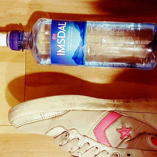 #imsdal #water #hashtag #converse #pink #star #blue #norwegian #clear #kilde #shoes #ready #free #sweat #singlemom #stillgoingstrong #fitnessaddict #buildnburn #makeithappen