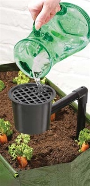 This handy Speed Feeder features a watering potand watering tube.