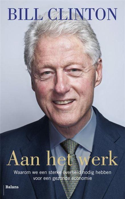 Aan het werk  Ik heb dit boek geschreven omdat ik van mijn land houd en me zorgen maak over de toekomst. Werk betekent meer dan alleen levensonderhoud. Het is fundamenteel voor de menselijke waardigheid voor ons gevoel van eigenwaarde als nuttige onafhankelijke vrije mensen. Nu de westerse wereld in zwaar weer verkeert en het eind van de crisis voorlopig niet in zicht lijkt geeft oud-president Bill Clinton zijn visie op de uitdagingen waar wij op dit moment voor staan. Hoe kunnen we weer…