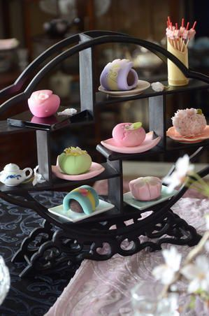 Wagashi - Japanese sweets that are best enjoyed with Japanese tea. #sweet #food