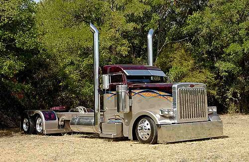 """Sledgehammer"" . Who doesn't love custom big rigs?"