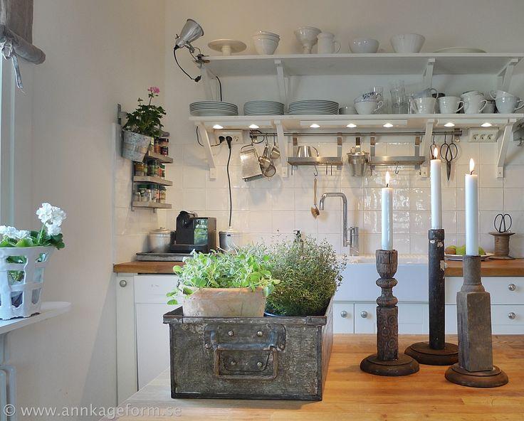Herbs on the kitchen island.