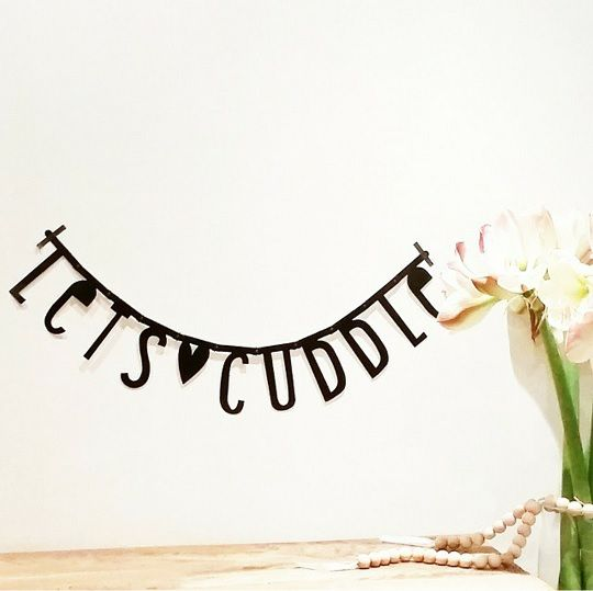 #Wordbanner #tip: Let's #cuddle - Buy it at www.vanmariel.nl - € 11,95