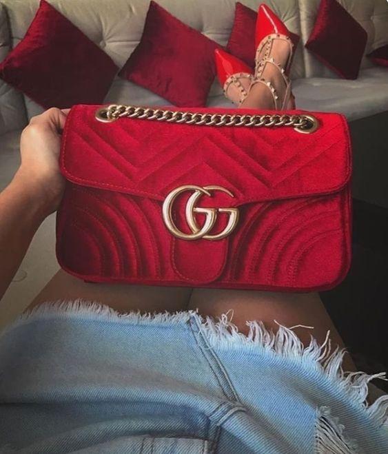 af0c41dd8 Gucci Bolsa Tiracolo 'GG Marmont' Pequena em 2019 | Bolsas | Bags ...