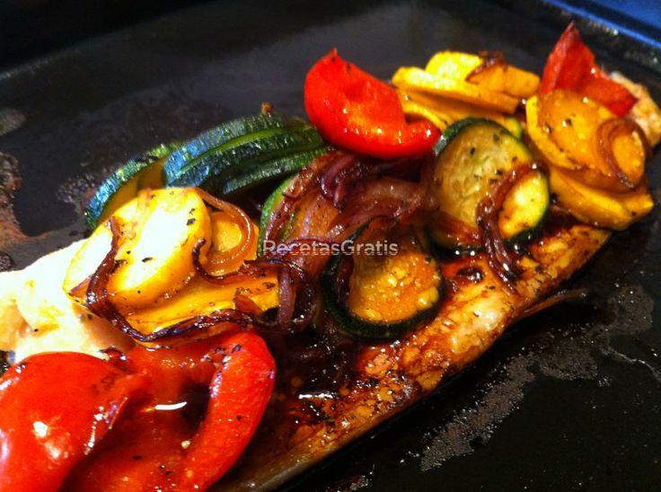 Trucha al horno con guarnición de vegetales