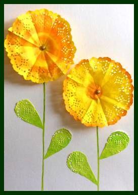 Květy z papírových deček