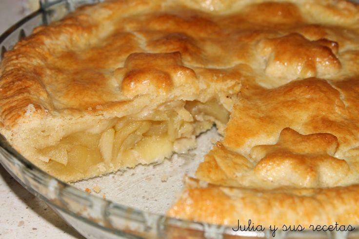 Esta es una de las tartas de manzana que siempre he querido hacer, quizás por verla tantas veces en las películas americanas.   E...