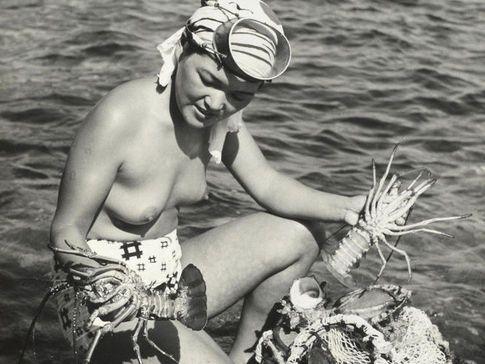 Las sirenas existen, llevan los pechos desnudos y viven en las costas de Japón