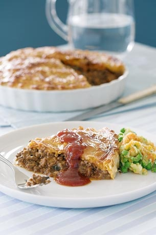 NZ Mince and Cheese Pie Recipe: Food Recipes, Cheese Pies, Dinners Pies, Everday Recipes, Pies Recipes, Favourit Recipes, Pie Recipes, Savory Dinners, Mince Recipes