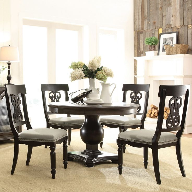 Old Dining Room Furniture: Belmeade Wood Round Dining Table And Chairs In Old World