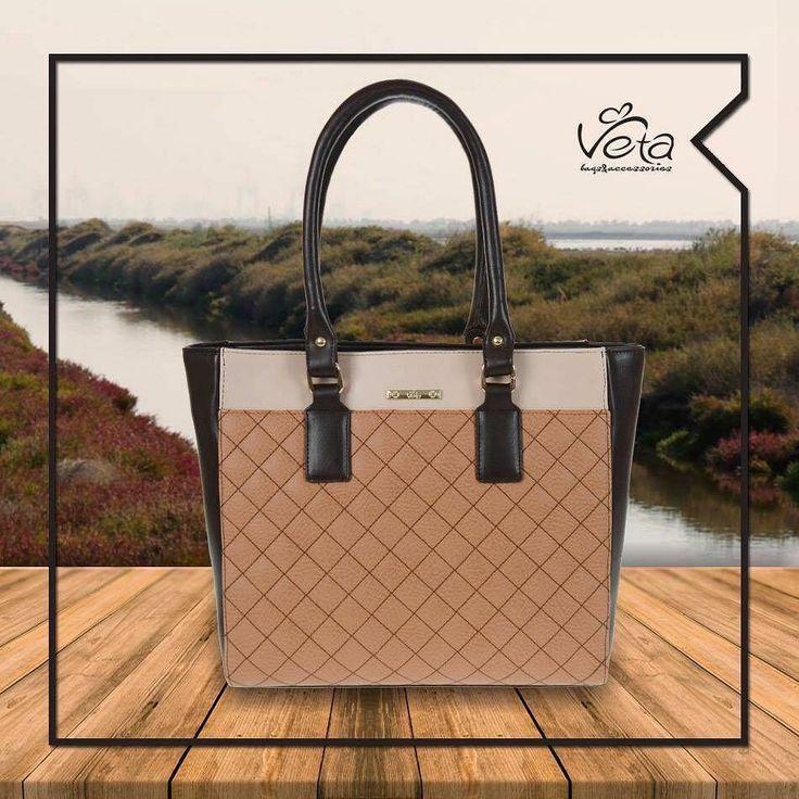 Wear Veta in autumn scenery. #Shoebizz #veta  #Fw1718 #shoebizz #shoebizzworld #shoebizzsignature #shoebizzladies #shoebizzlovers •Θα τα βρείτε στο κατάστημα μας, ,Αθ.Διακου 2 , Λαμια🔝🔝 •Για παραγγελίες: ☎️☎️Τηλ.Επικ:22310-24421 •Ή με inbox📩📩 •online > www.shoebizz.gr