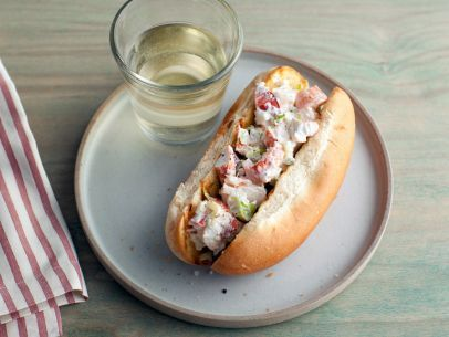 A Healthier Lobster Roll #Protein #Grains #MyPlate #SummerRecipesFood Network, Lobster Rolls, Sandwiches, Lobsters Rolls, Ellie Warrior, Foodnetwork, Greek Yogurt, Hot Dogs, Rolls Recipe