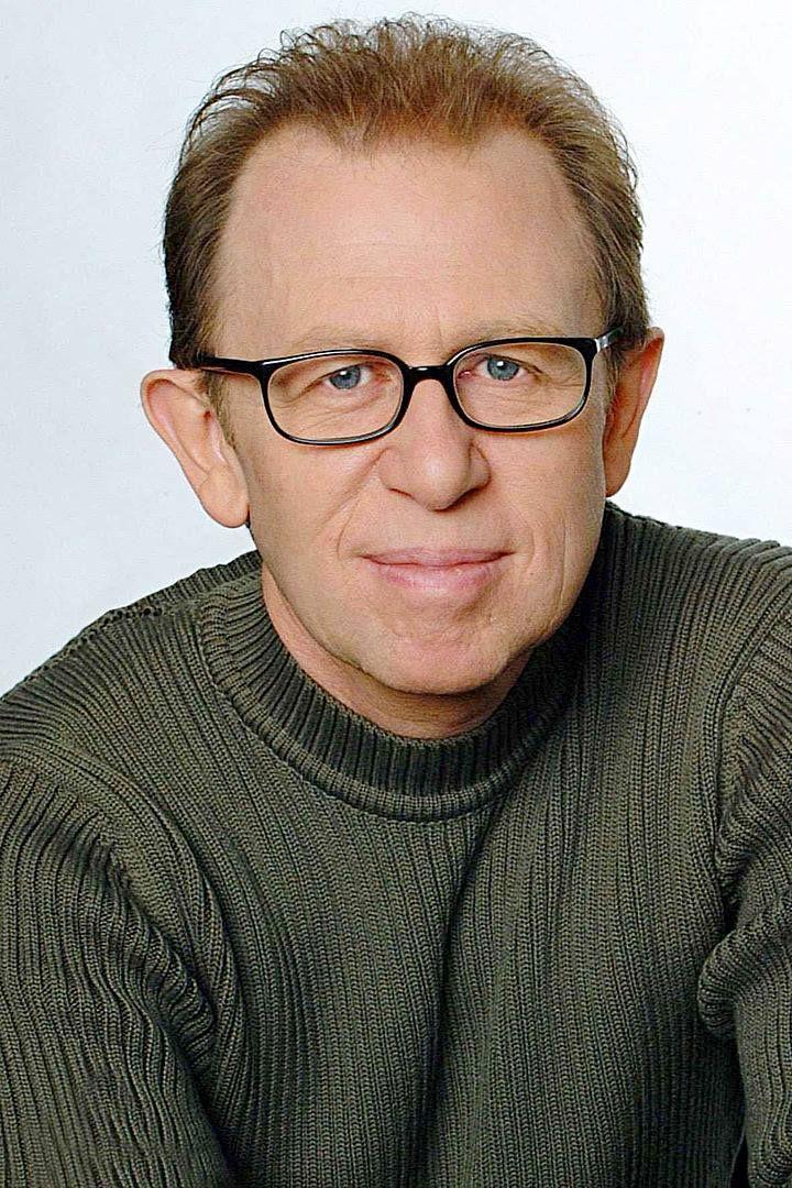 Viktor Giacobbo (né le 6 février 1952  à Winterthour) est un écrivain, humoriste, modérateur et acteur suisse