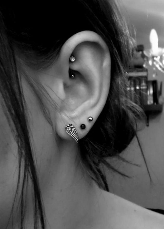 Rook Ear Piercings ~ http://tattooeve.com/rook-piercing-for-women/ Piercing