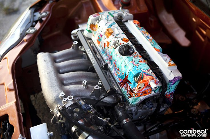 Sick engine bay valve cover art. Mike Paz 1999 Honda Civic Si.