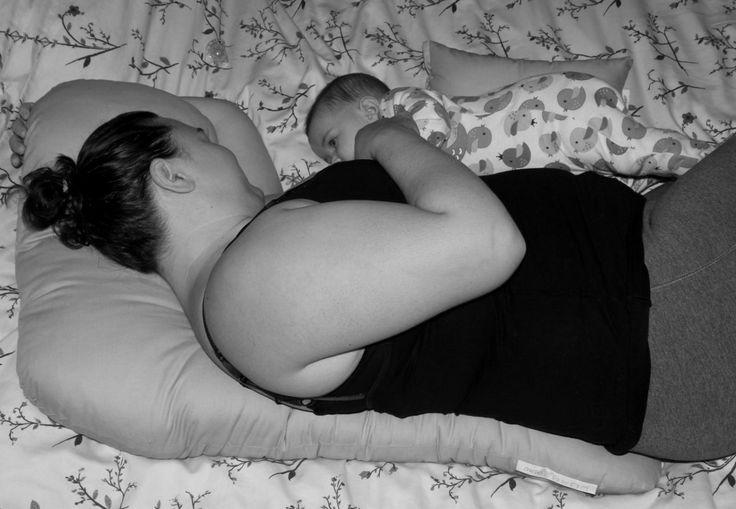 L7 Nursing & Pregnancy Pillow Find us at www.nursemetender.com
