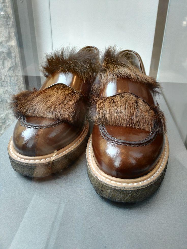 #agl Attilio Giusti Leombruni - mocassini #loafers #milano #fashion #fur #shoes #woman