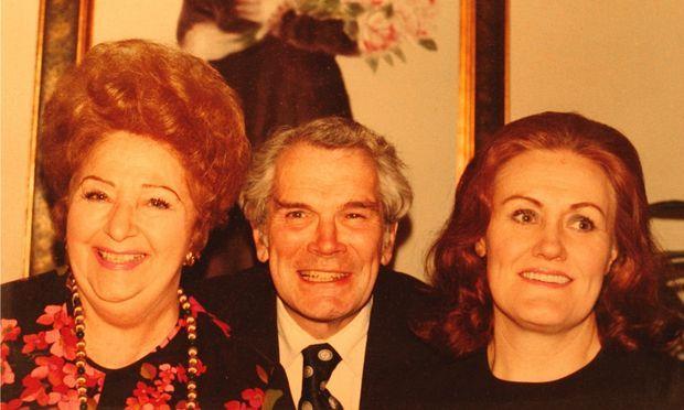 Zinka Milanov, Martin Waldron and Joan Sutherland