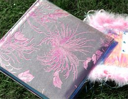 Ask all the guests to bring a story about the hen and put together a gorgeous memory book