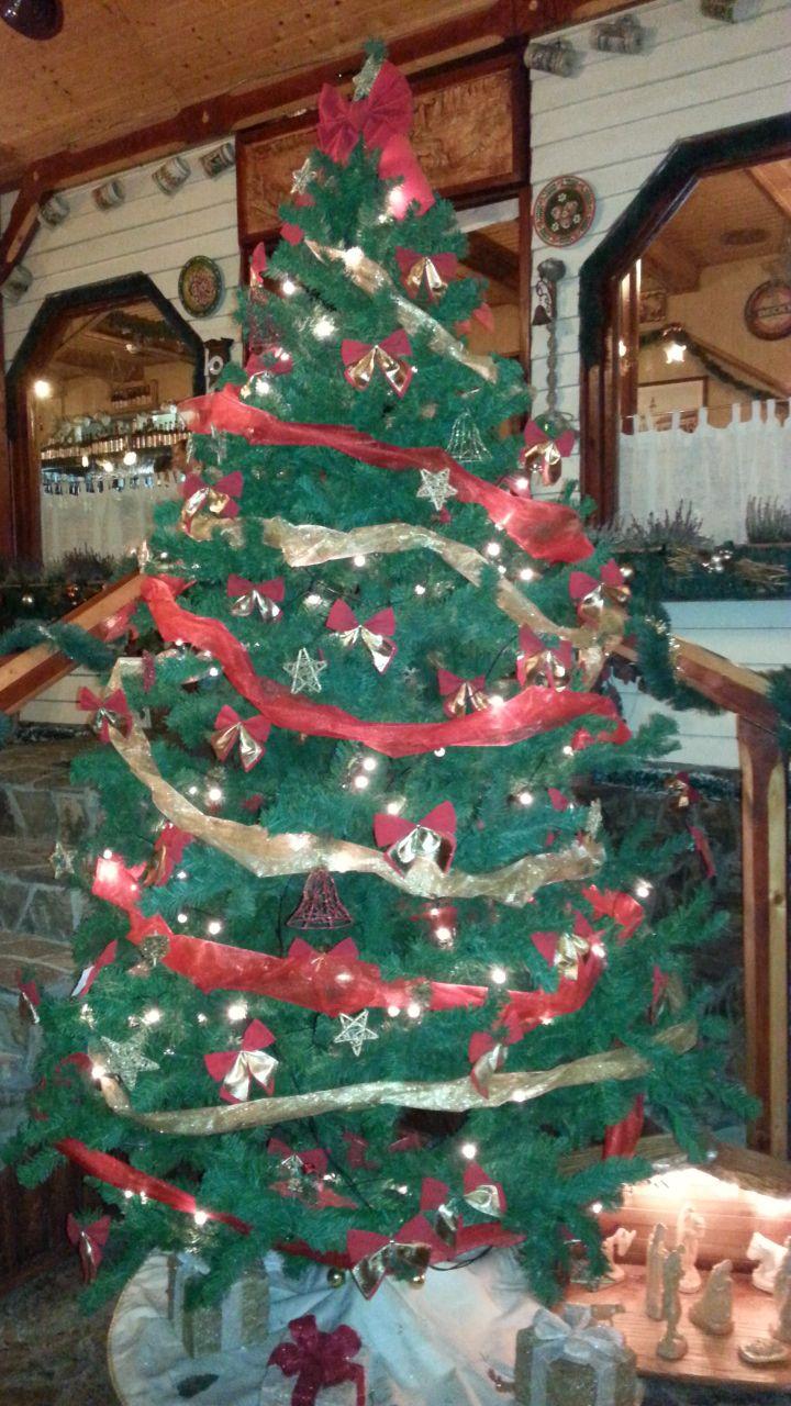 Lyra étteremben szép karácsonyfa