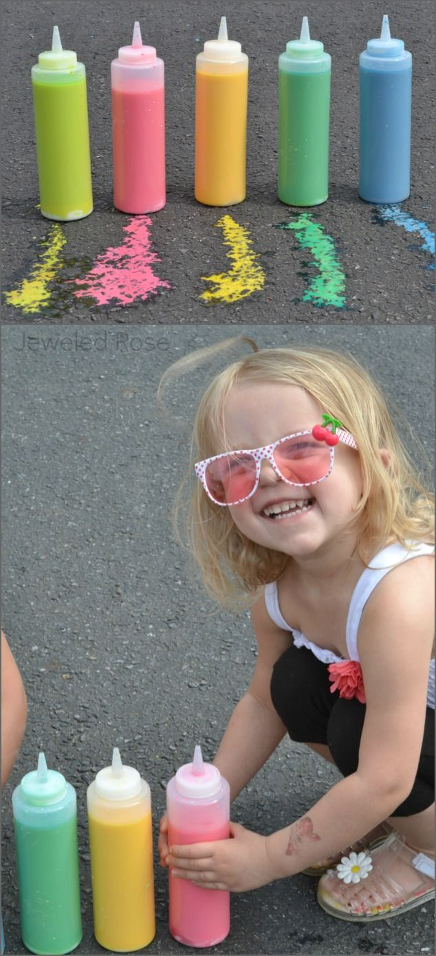 Sidewalk Squirty Paint--This is sure to keep kids entertained outside. {Only three ingredients!}Squirt Painting, Painting On, Kids Plays, Sidewalk Painting, 3 Ingredients, Sidewalk Squirty, Sidewalk Chalk, Baking Soda, Squirty Painting