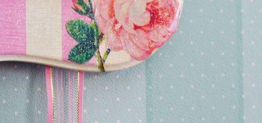 Ahsap_72 0 AHŞAP / ÇERÇEVE30 NIS, 2014 Gül Kabartılı Aynalı Çerçeve Pembe beyaz hazırlanan çerçevelerde,gül motifi kabartılarak boyut kazandırıldı.Çok masum ve romantik oldu…Ümide Hanımm,güle güle kullanınn…