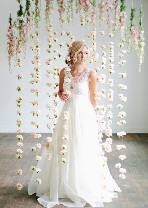 Hangende bloemen met zachte kleuren(pastel) #wedding #fashion #interior #dress # bruiloft