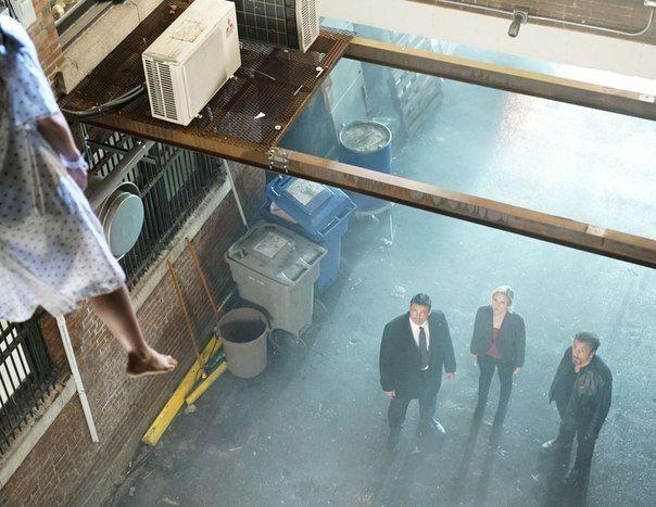 Порция первых кадров из криминального триллера «Виселица» Джонни Мартина, главные роли в котором исполнили Аль Пачино, Карл Урбан и Бриттани Сноу.