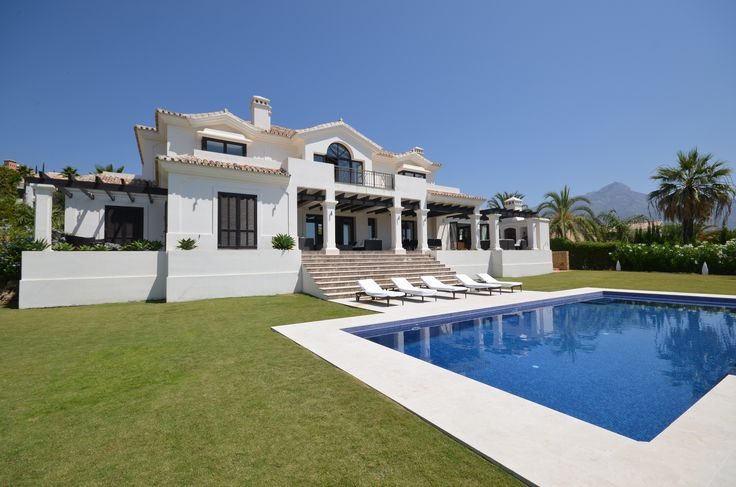 FOR SALE: Exceptional Family Villa with both Indoor & Outdoor Swimming Pools in ‪#‎NuevaAndalucía‬ ‪#‎Marbella‬  https://butterflyresidential.com/en/show/sale/26619/