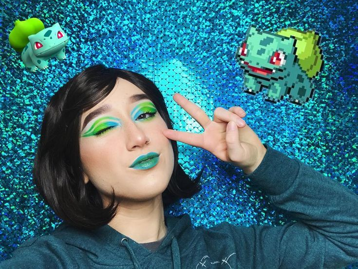 BULBASAUR    Dont I remind you of a Pokémon trainer here????   Fun fact: Im typically more of a fire starter person however I do end up loving all three starters at some point or another during a gen cycle so \_(ツ)_/ Im a pokemon Hoe alright leave me alone and let me live in peace       {FACE:  @hardcandylife 12 hour primer  @elfcosmetics flawless foundation  @colourpopcosmetics no filter concealer  @glossier wowder  @wetnwildbeauty coverall powder  @glamourdollsmakeup lisa frank bitten…