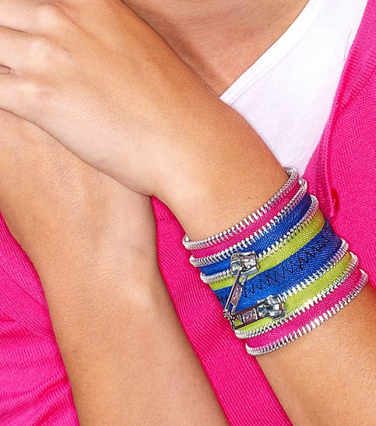 Create a trendy #DIY bracelet with zippers!  #creativitymadesimpleTeenagers Girls, Free Pattern, Zippers Bracelets, Diy Jewelry, Beads Projects, Diy Bracelets, Crafts Jewelry, Zip Bracelets, Zippers Jewelry